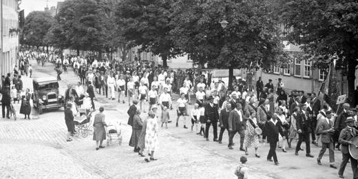 Parade: Turnfest im Jahre 1928